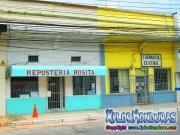Avenida San Isidro centro La Ceiba, Reposteria Rosita y Farmacia Central