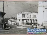 foto antigua 9 calle con catedral San Isidro, La Ceiba