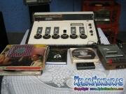 Objetos antiguos de radio El Patio en el 136 aniversario de La Ceiba