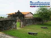 085-entrada-a-la-fortaleza-santa-barbara-trujillo