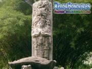Replica Estela Maya Parque La Concordia