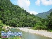 parque nacional pico bonito, rio cangrejal, paisaje de la cuenca de cangrejal