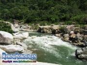parque nacional pico bonito, rio cangrejal, paisaje increible en hotel jungle river lodge