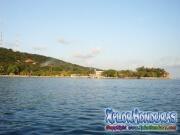 Roatan, Islas de la Bahia, Honduras, bello paisaje desde el yate