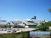 Roatan, Islas de la Bahia, Honduras, cusero norwegian spirit en puerto de cruseros