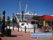 roatan-islas-de-la-bahia-honduras-el-puerto-de-cruceros-y-marina-de-roatan