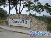 Roatan, Islas de la Bahia, Honduras, Jonesville Fundado por Joseph Jones Sr en 1852