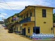 semana-santa-en-trujillo-honduras-08-calle-y-hotel
