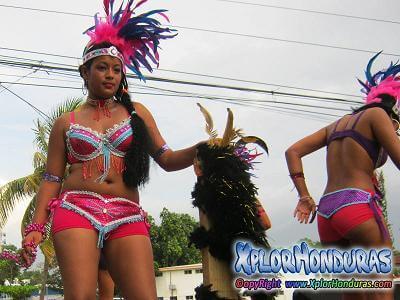 desfile-de-carrozas-carnaval-de-la-ceiba-2016