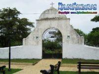 Entrada Cementerio viejo de Trujillo